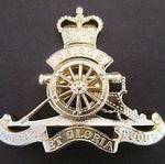 RAA ROYAL AUSTRALIAN ARMY OFFICER ARTILLERY HAT BADGE
