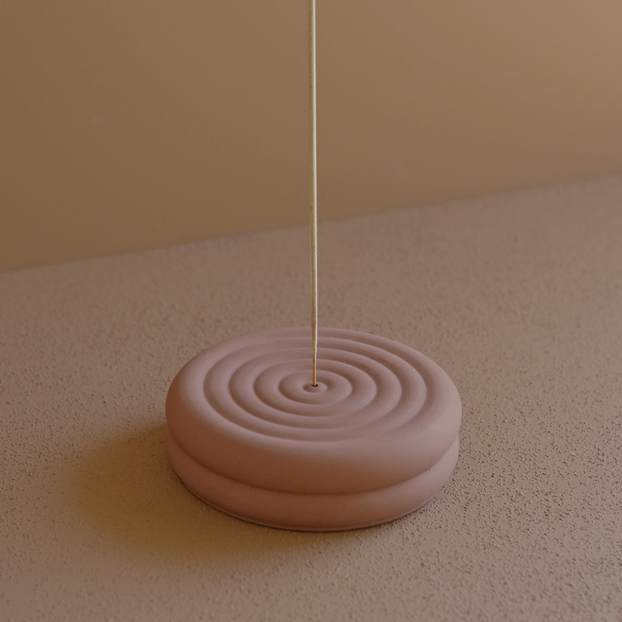 Poolside Round Upright Incense Burner : : SS21 Studio Collection : :