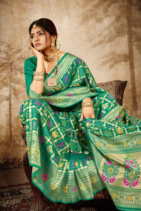 Emerald Green Bandhani Silk Saree With Zari Border Blouse