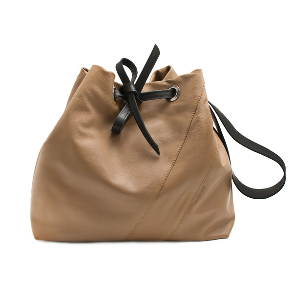 JULIA - camel and black drawstring shopping bag