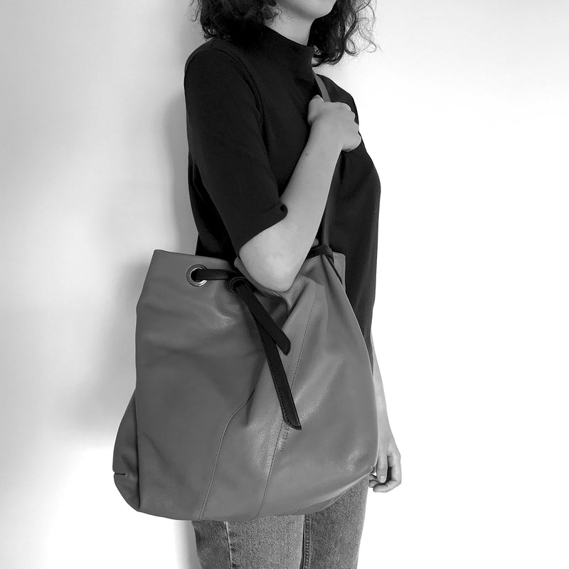 JULIA - black drawstring shopping bag