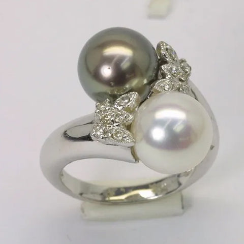 18K White Gold Diamond Black White Pearl Ring