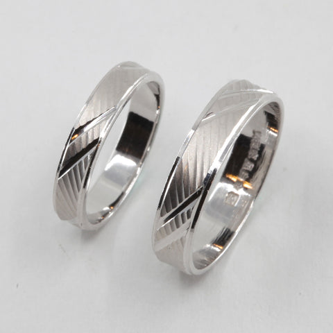 One Pair of Platinum Wedding Band Rings 7.8 Grams