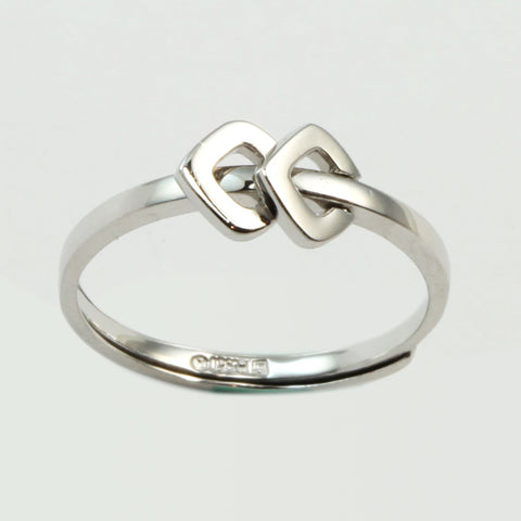 Platinum Women Ring 2.9 Grams