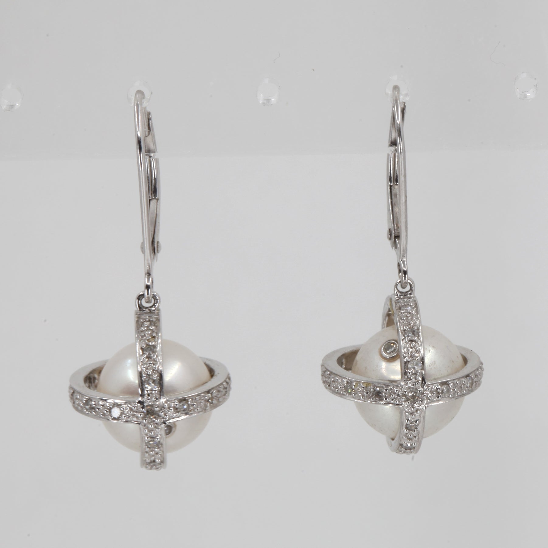 14K White Gold Diamond White Culture Pearl Hanging French Clip Earrings D0.36 CT