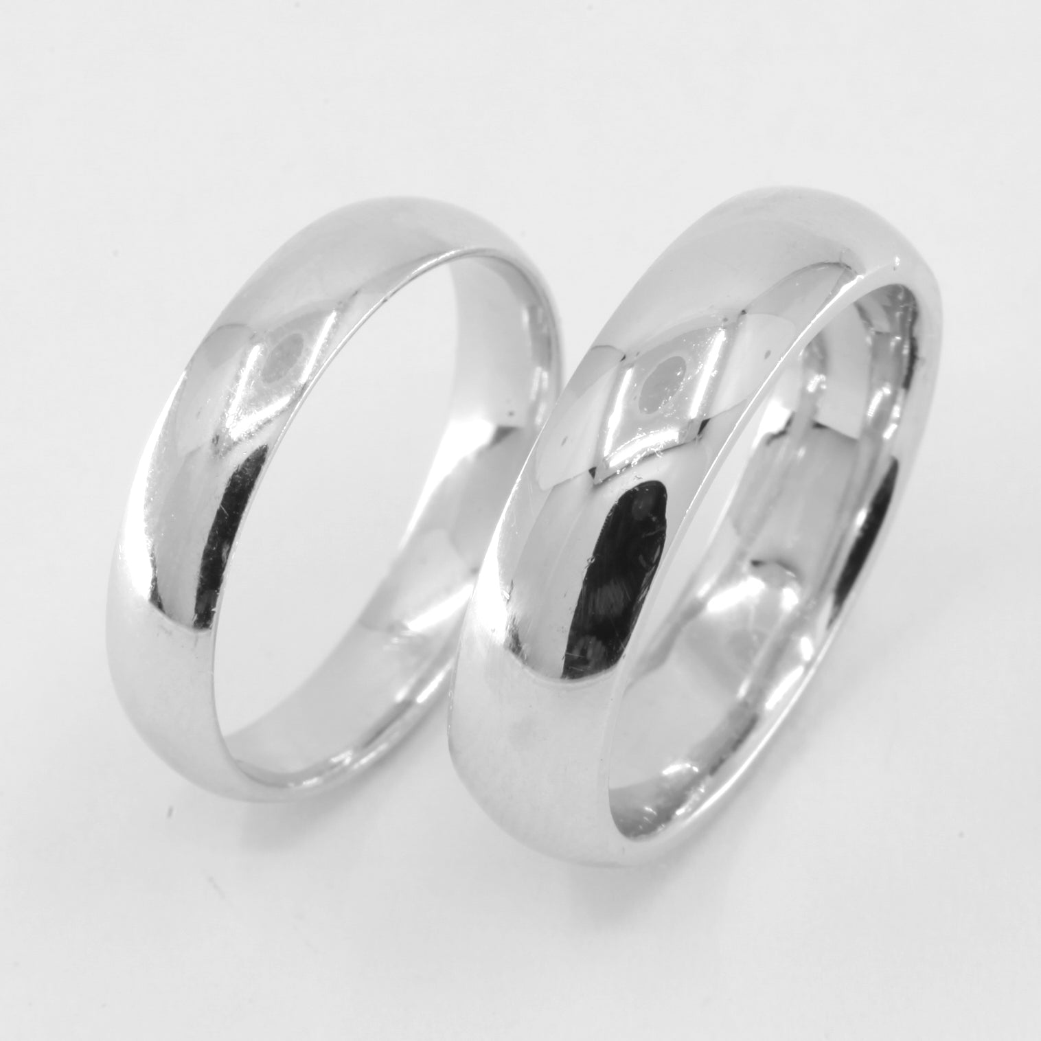 One Pair of Platinum Plain Wedding Band Rings 21.1 Grams