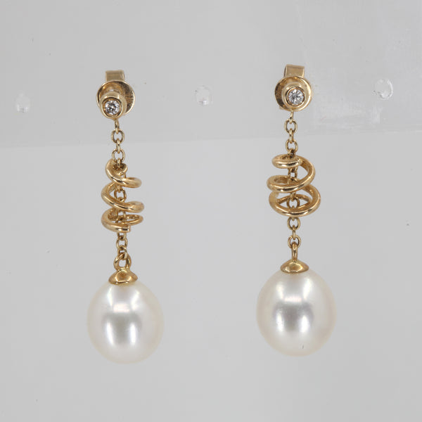 14K Yellow Gold Diamond White Pearl Hanging Earrings D0.08 CT
