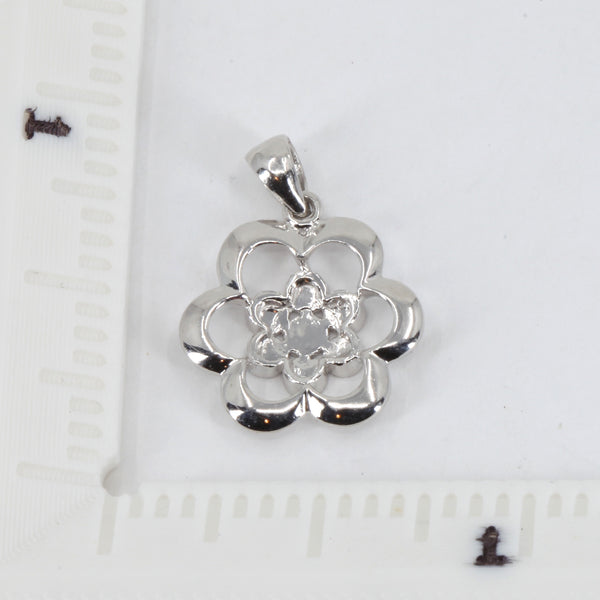 Platinum Flower Pendant 2.3 Grams