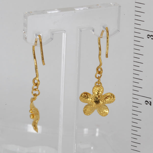 24K Solid Yellow Gold Flower Hanging Earrings 3.1 Grams