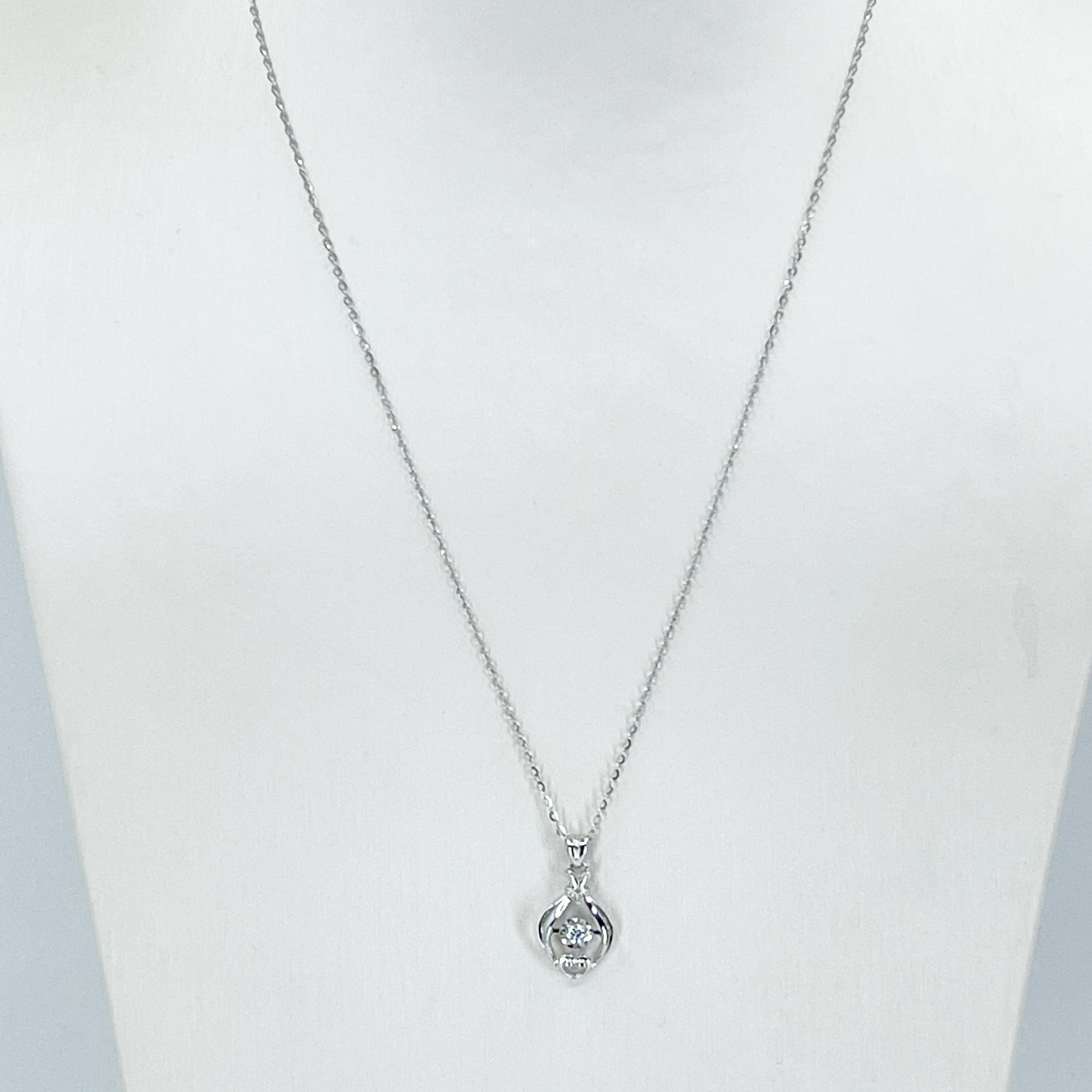 "18K Solid White Gold Round Link Chain Necklace with Diamond Pendant 18"" D0.052 CT"