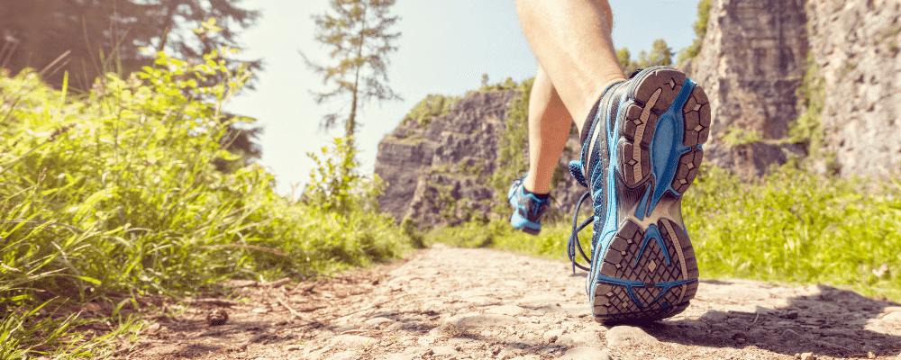 paysage nature chaussures sportives