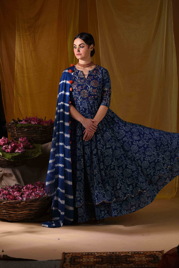 Layered kalidar and duppata - Monsoon.thedesignerstore