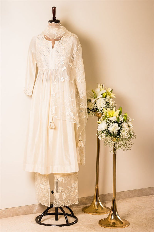 Off-white Jasmine Tunic with Pants and Organza Dupatta - Monsoon.thedesignerstore