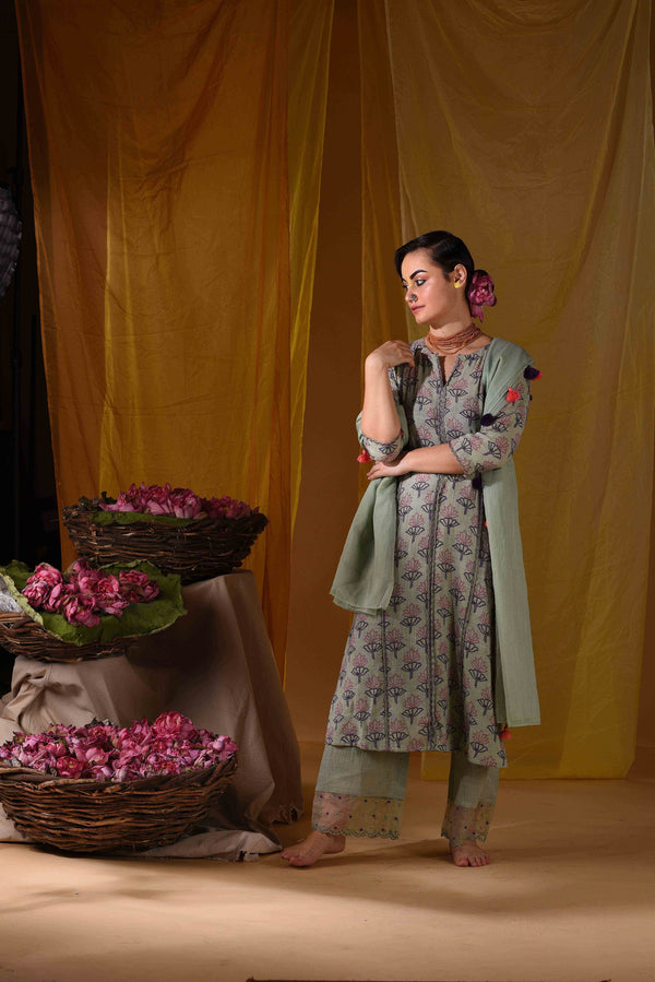 Tiriya kurta with pants & dupatta - Monsoon.thedesignerstore