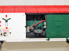 Load image into Gallery viewer, Lionel 6-36799 Lionel Christmas Musical Boxcar Plays Carols Holiday Nutcrackers