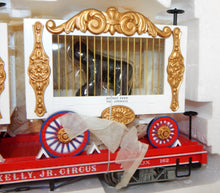 Load image into Gallery viewer, Bachmann G Scale CIRCUS 98372 Flat Car w/2 Cage Cars Bear & Gorilla Emmett Kelly