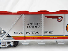 Load image into Gallery viewer, HTF Lionel 6-19367 Santa Fe Warbonnet Quad Hopper C8+ Die Cast Trucks ATSF O