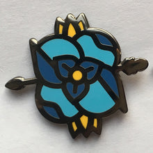 Load image into Gallery viewer, Blue Flower Pin