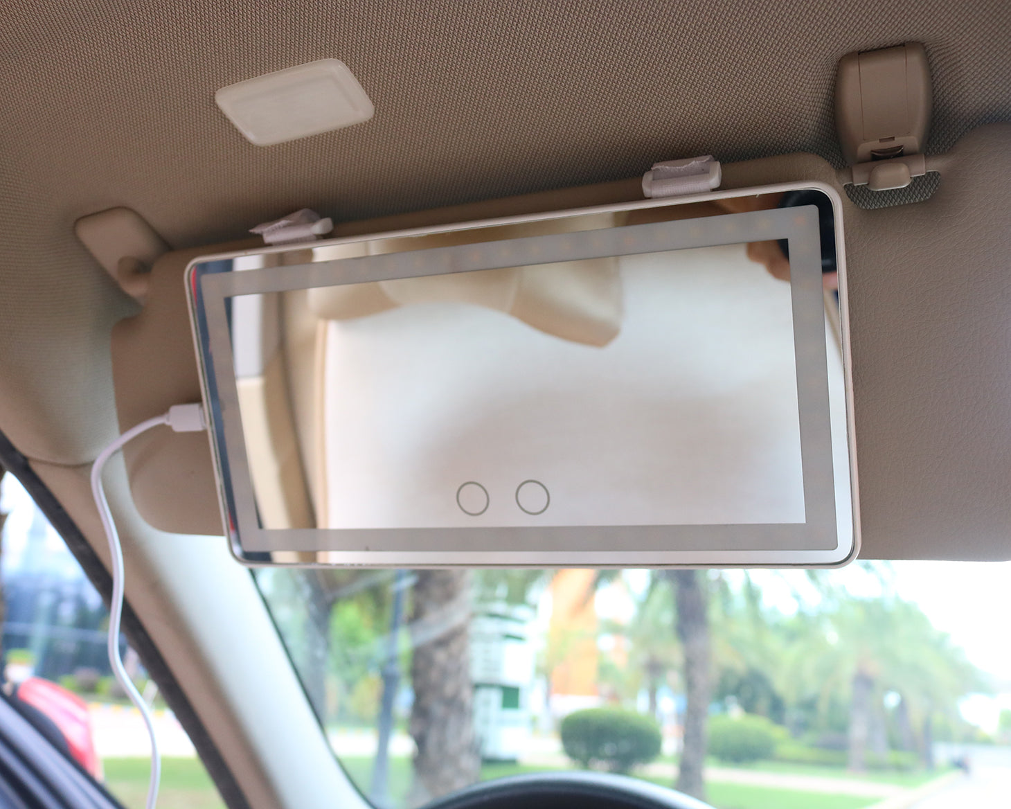 Creative research and development for the purpose to accompany you all the way-Jiayao car makeup mirror
