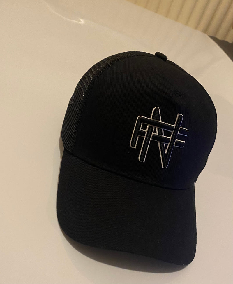 FN CAP BLACK & WHITE