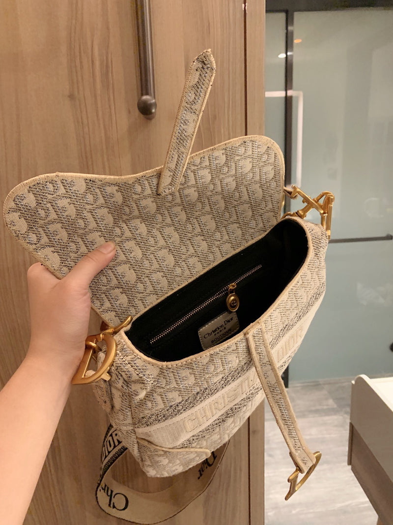 Dior Saddle beige
