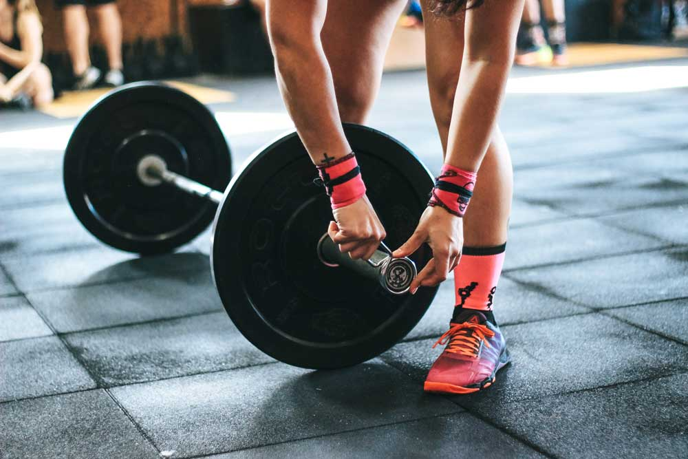 33fuel 17 ways to hack winter training - weight lifting