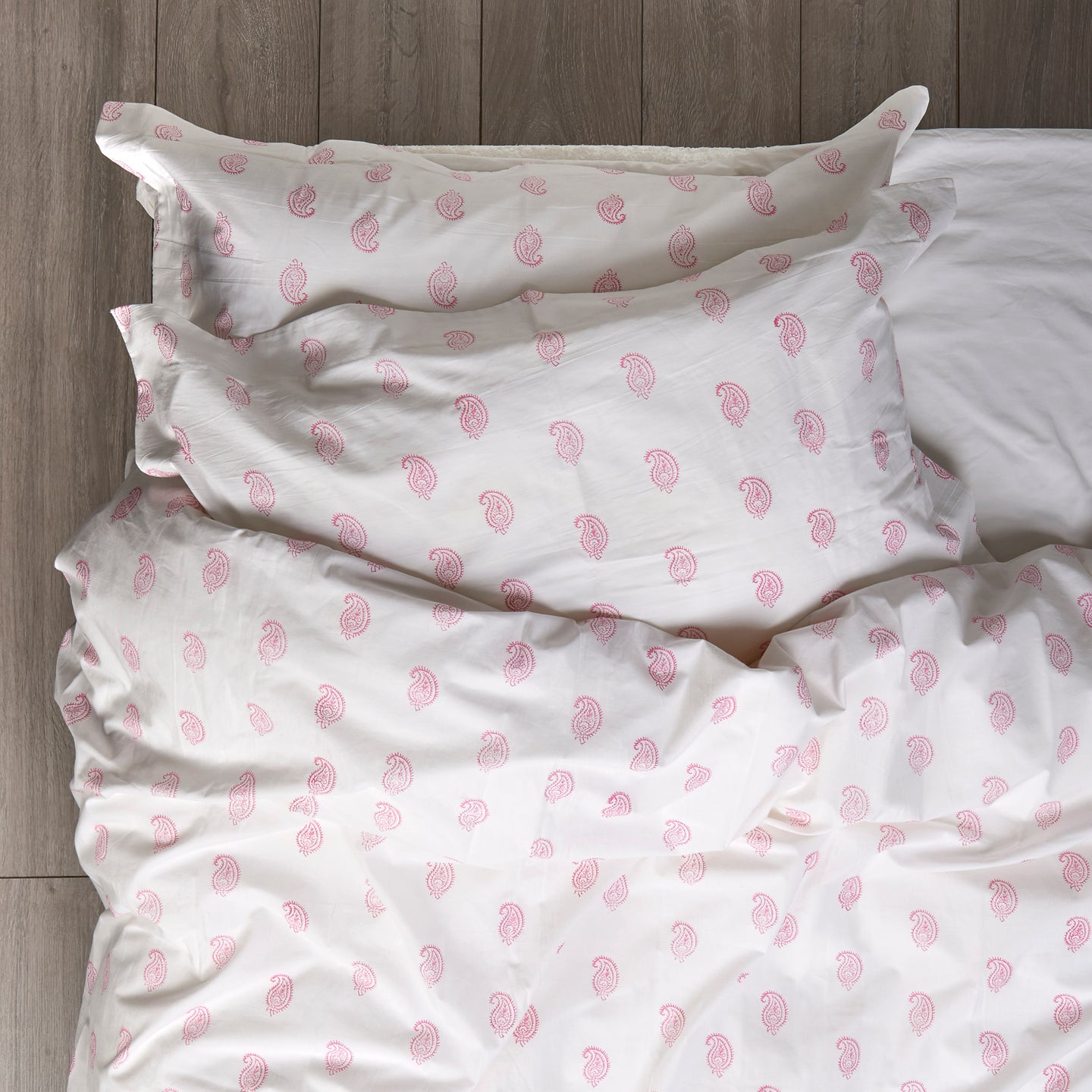 Coco Paisley Duvet Covers and Pillow Set Pink