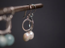 Load image into Gallery viewer, Pearl and silver circle drop earrings
