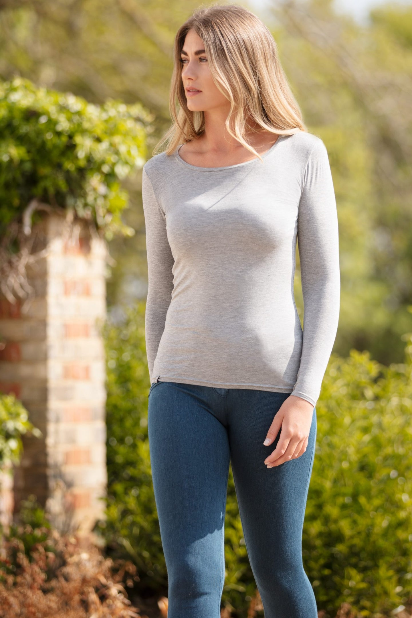 Long Sleeve Scoop Neck T-Shirt in Grey Marl