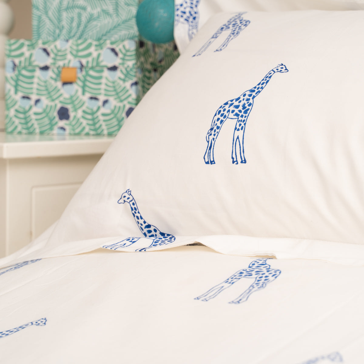 Blue Giraffe Bedding Sets