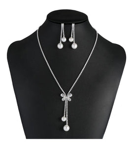 Butterfly Crystal And Pearl Necklace Set