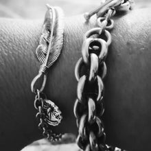 Load image into Gallery viewer, Feather Chain Bracelet