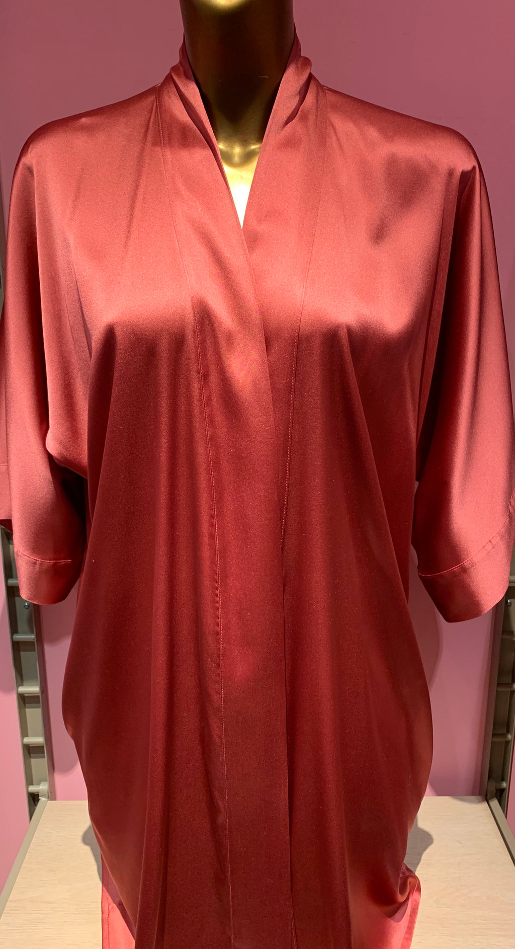 Garbo Silk Short Robe
