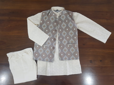 Thread Embroidered Kurta Set | Complete Set