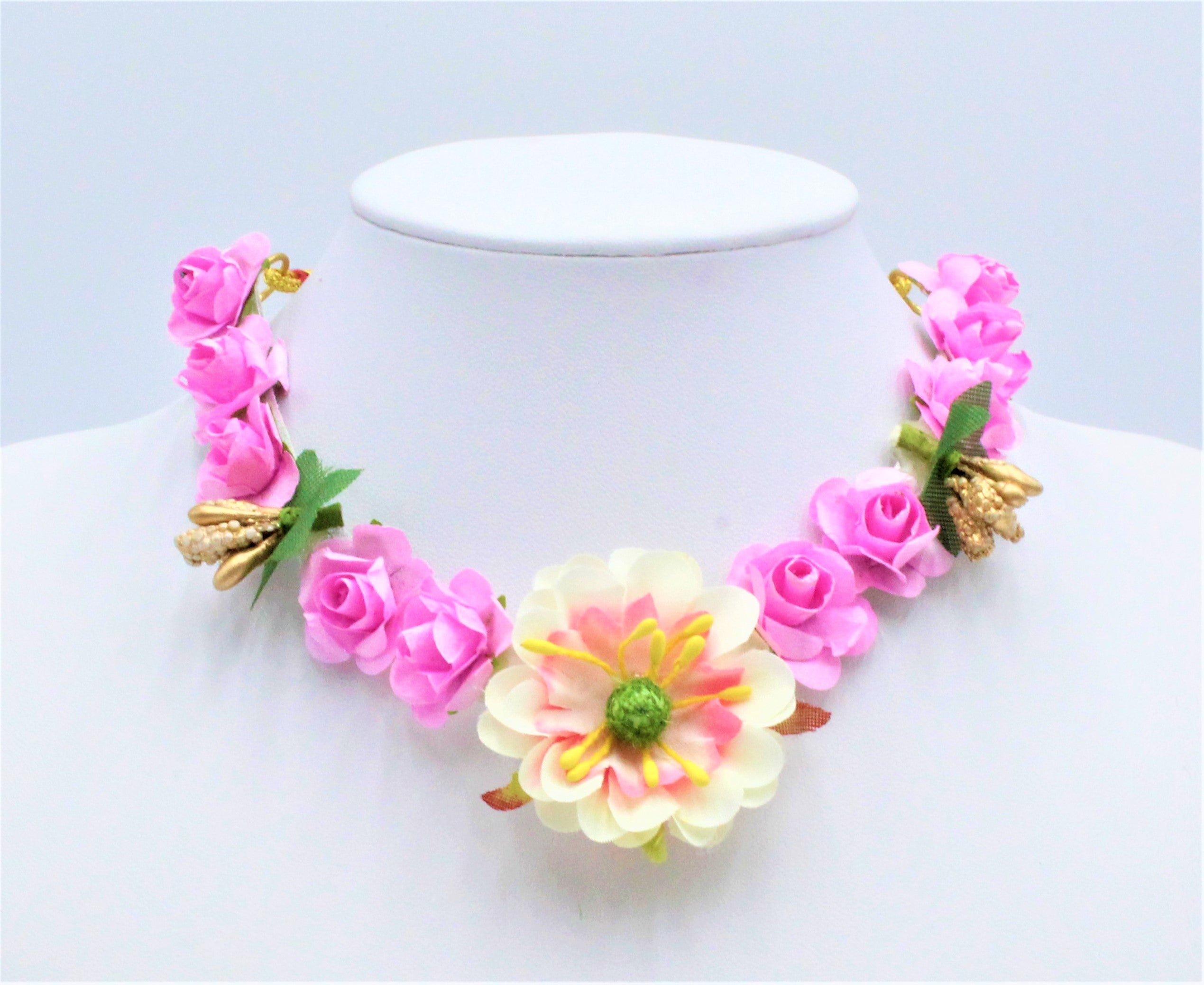 Aab Flower Necklace Set