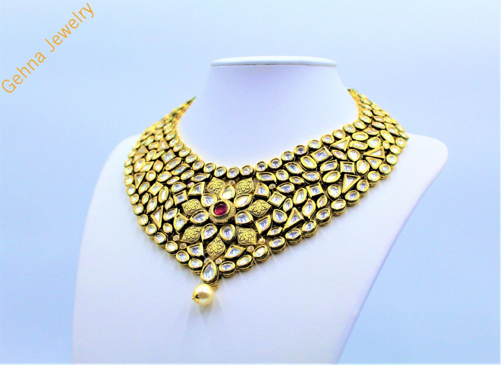 Aabia Necklace Set
