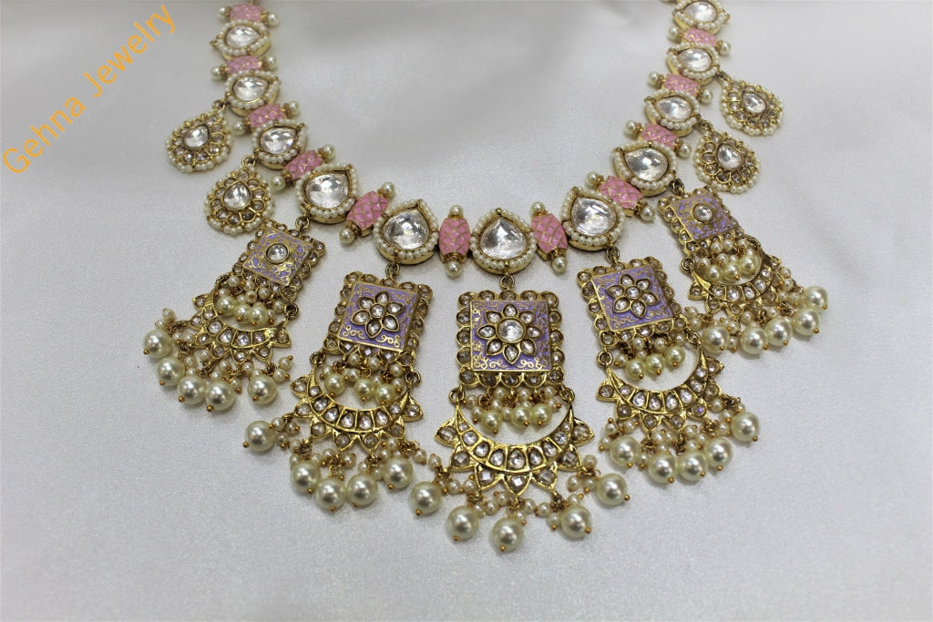 Aarna Necklace Set