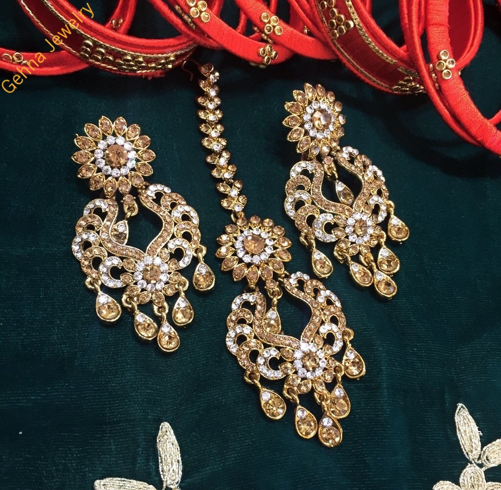 Avantika Earrings And Tikka