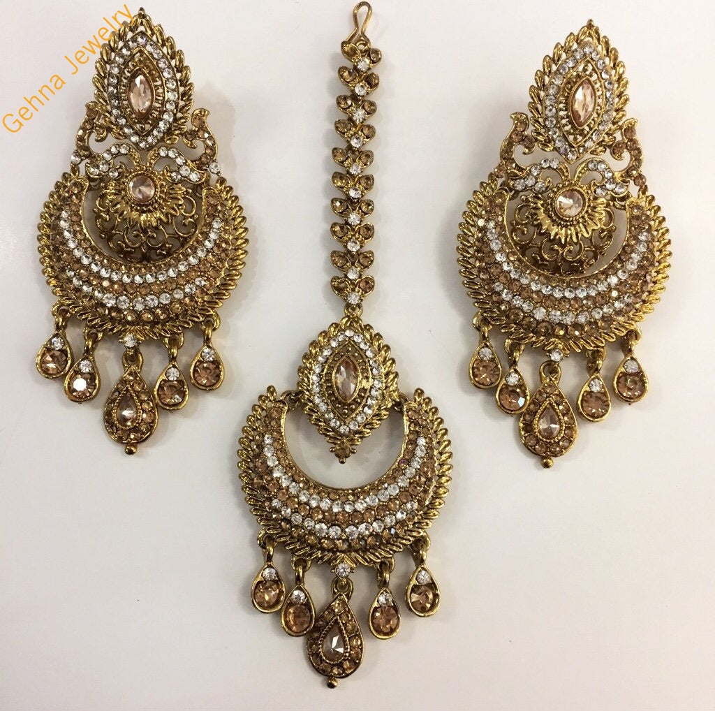 Kaavi Earrings And Tikka