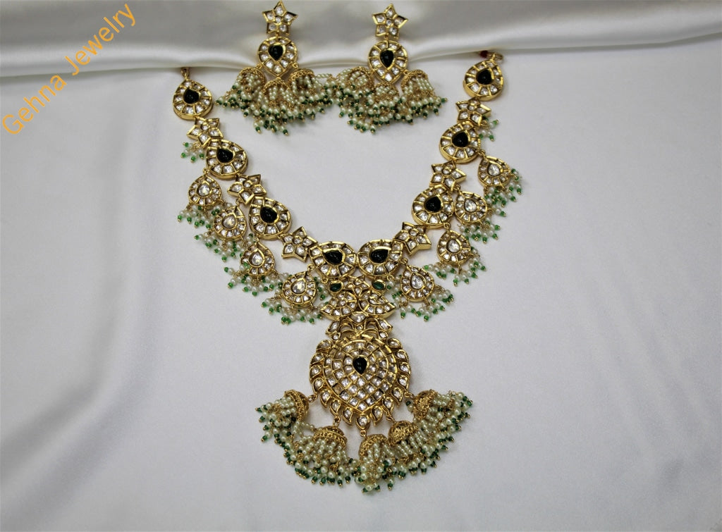 Kavya Necklace Set Green