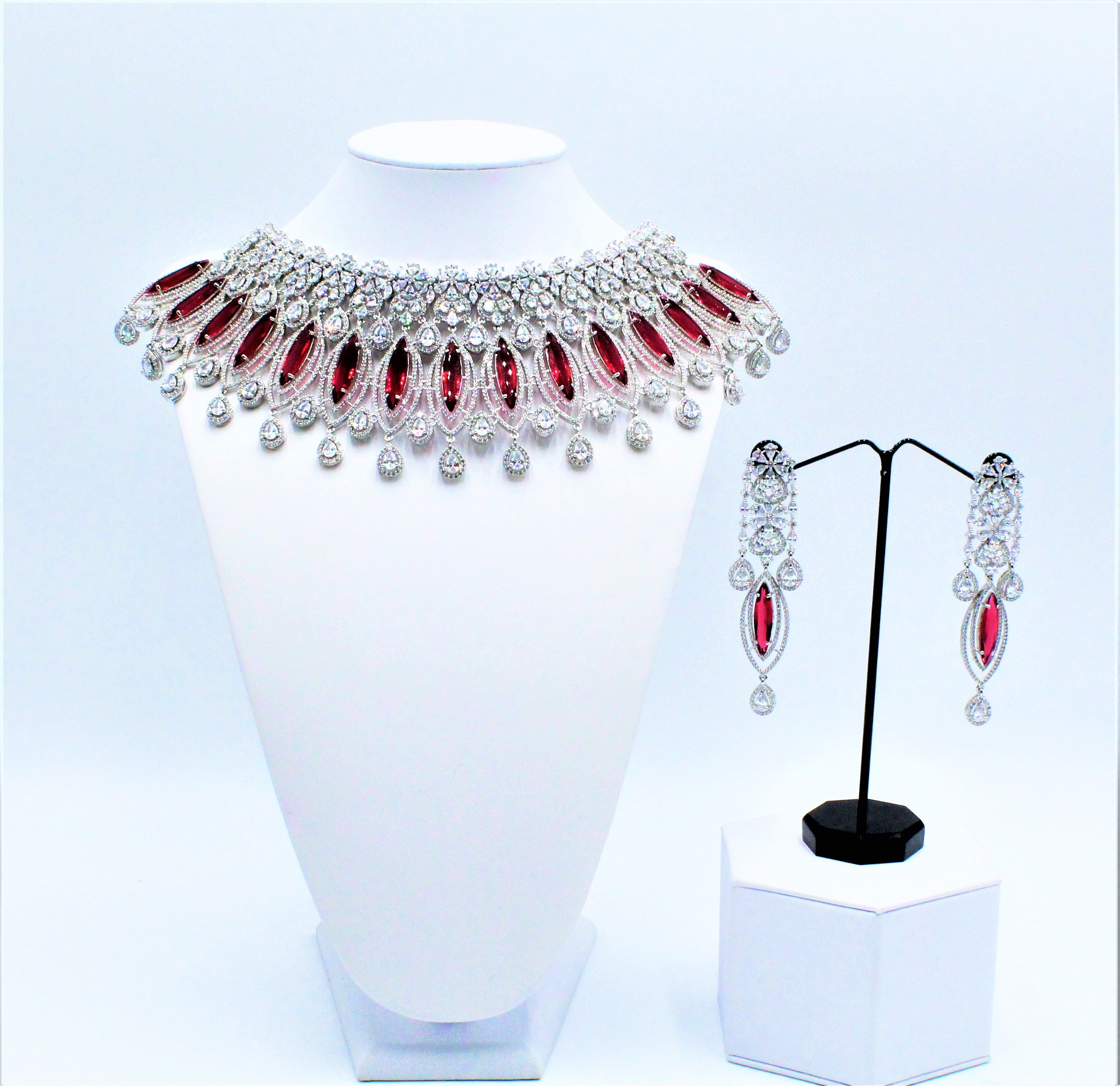 Nahreen Necklace Set