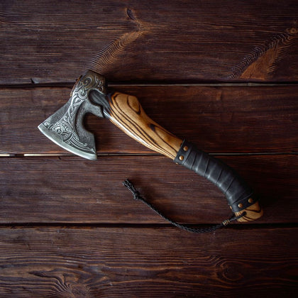 CAMPING VIKING SAHRP AXE THROWING FOR BATTLE READY AXE HATCHET GIFT FOR HIM