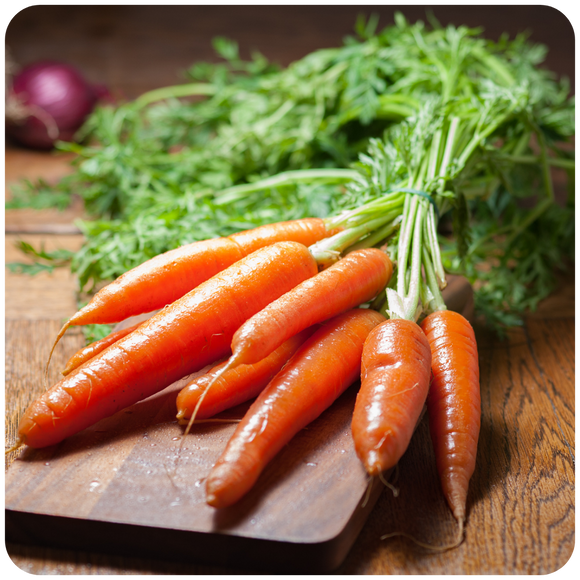 Organic Carrots, 1 bunch (1.5 lbs)