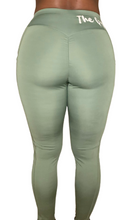 Load image into Gallery viewer, The Gym Bae Scrunchy Leggings Green