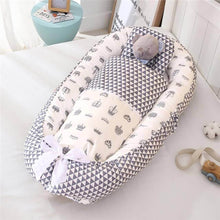 Load image into Gallery viewer, Baby Nest with Quilt & Pillow