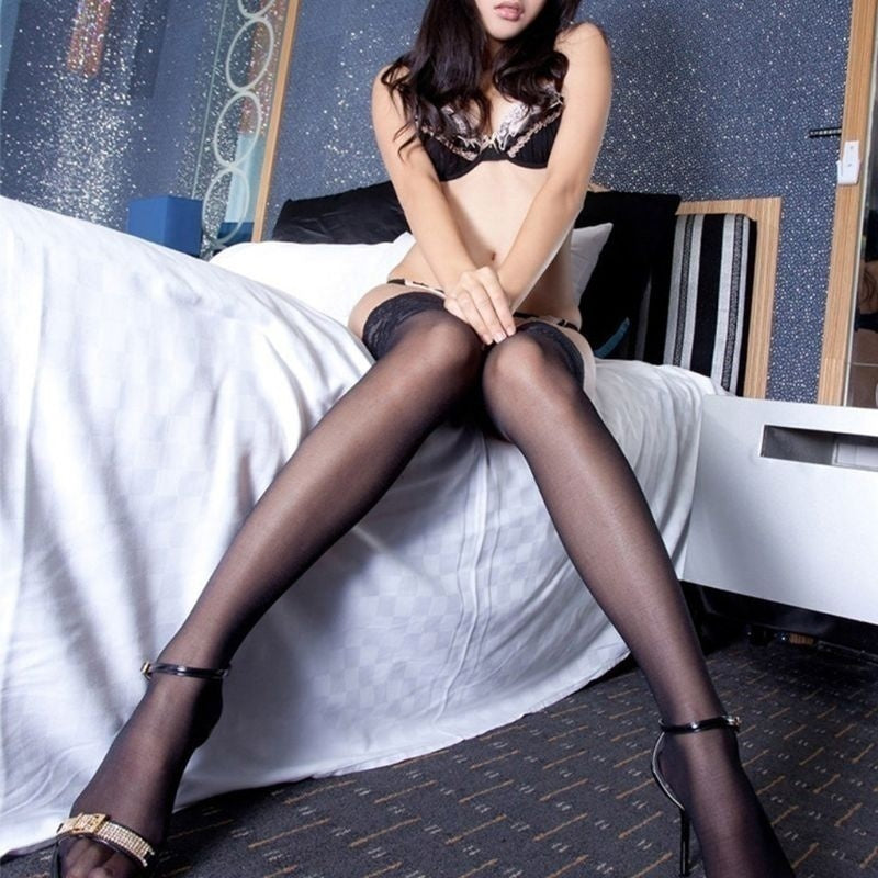 Silk stockings with long lace and long tube stockings BIT
