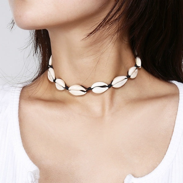 Boho Seashells Collar Choker Necklace for Women Natural Shells Bohemian Jewelry Choker Simple Chokers for Woman Girls Gifts