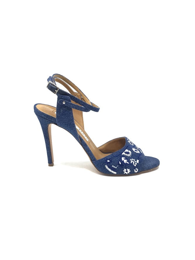 Veronica Beard W Shoe Size 39 'Suma' Embroidered Open Toe Heel