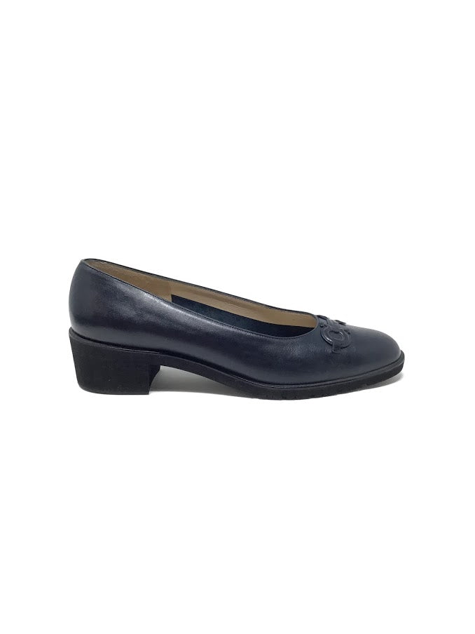 Salvatore Ferragamo W Shoe Size 7.5 Low Heel
