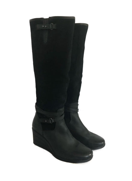 a56f393f318 Ugg Boots 7.5 Tall Suede Boots